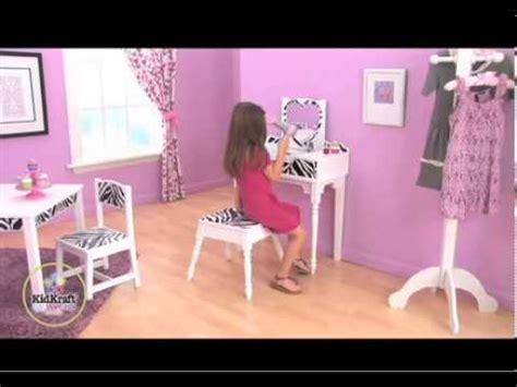 tabouret pour coiffeuse chambre coiffeuse et tabouret funky mobilier kidkraft pour