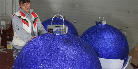 christmas display baubles giant medium  small