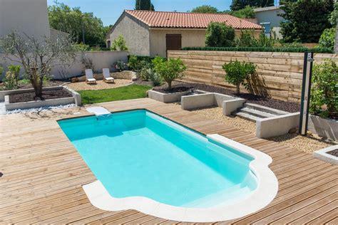 piscine coque piscine coque polyester avec escalier modele axeo 670 bf istres ax 233 o piscines