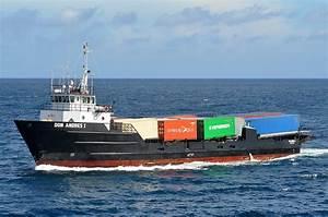 Cargo-boat : définition de CARGO, CARGO-BOAT , subst. masc.