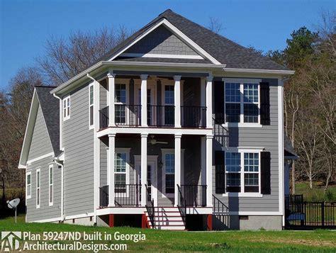 Narrow Lot Traditional House Plan