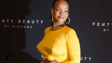Watch Rihanna Gives A First Look At Fenty Beauty Teen