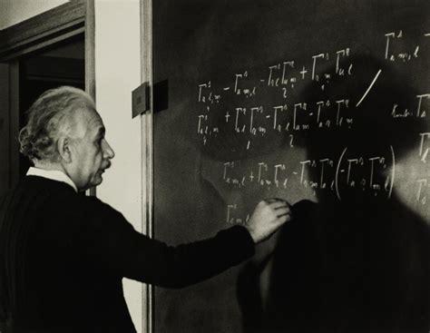 Roman Vishniac - Einstein at Work, 1942, Photograph: at ...