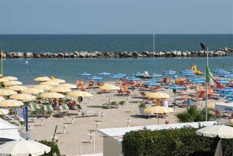 Bagno Tropicana Beach Bellaria Mattsolecom