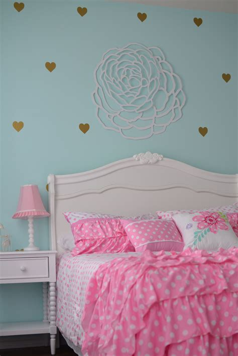 The bright and refreshing appeal of gorgeous teal blue furnishings dominate the interior of this contemporary classic masters bedroom. Finley's Aqua, Pink, Gold, and White Big Girl Room ...