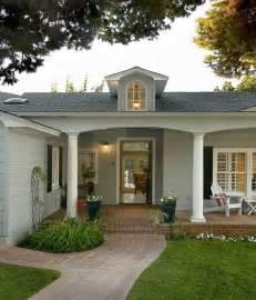 minimalist pillars  house entrance  brick walkway  porch  house decoration ideas