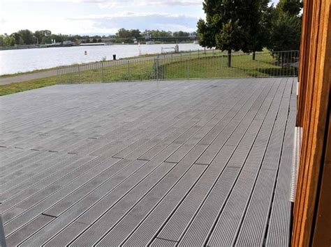 recycled mixed plastic footpath planks reinforced