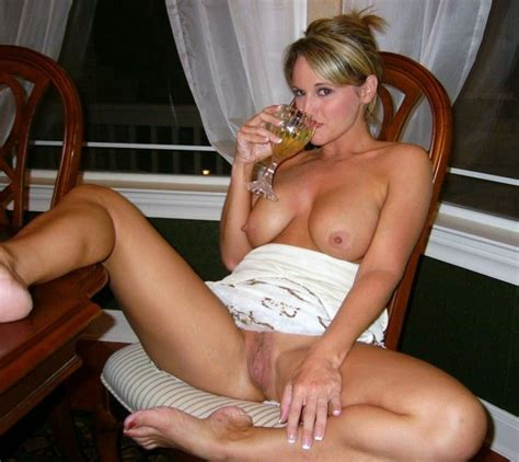 Nude Moms Naked And Drunk Blonde Milf