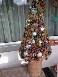 Tannenbaum Basteln Aus Naturmaterialien : tannenbaum aus maschendraht gef llt mit naturmaterialien und dekosachen basteln mit ~ Eleganceandgraceweddings.com Haus und Dekorationen