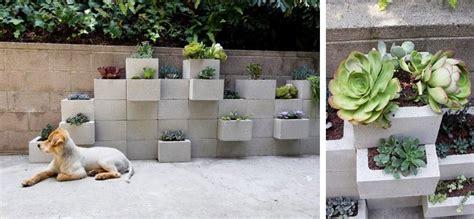 canape kartell diy mur de plantes en parpaing à faire soi même