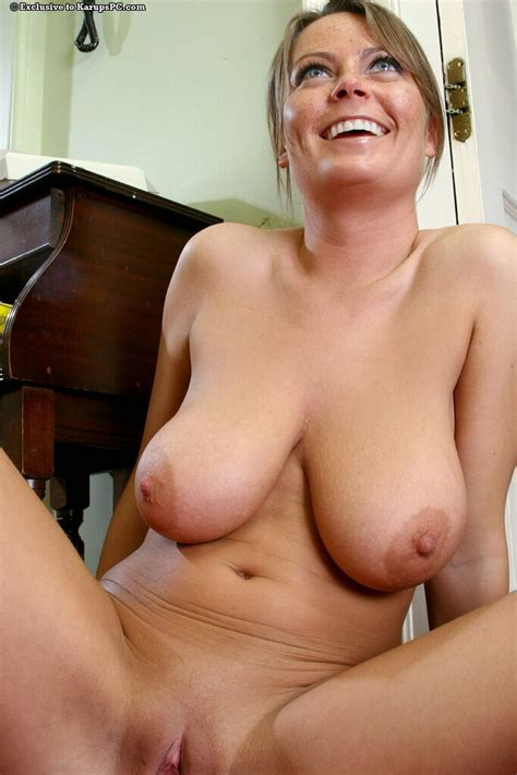 foxy amateur with amazing big tits and shaved pussy getting rid of her clothes