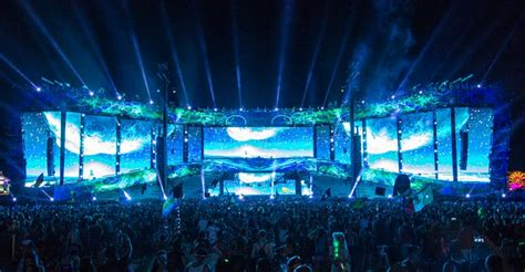 cosmic meadow stage  edc las vegas   design