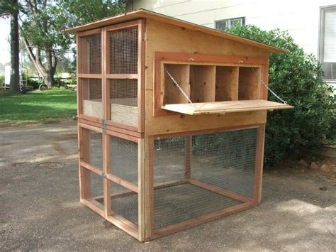 Simple And Easy Backyard Chicken Coop Plans (4