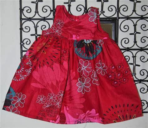 patron robe de chambre femme gratuit tuto robes à fronces intemporels pour bébé pop couture