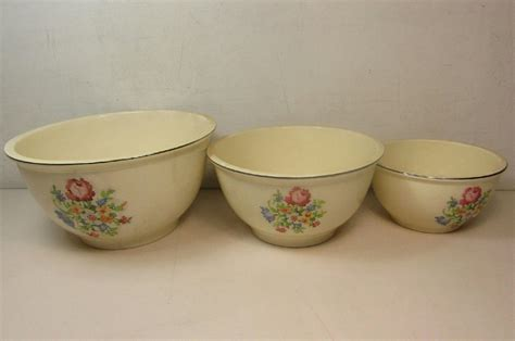 Set Of 3 Vintage Homer Laughlin Kitchen Kraft Petit Point Mixing Bowls  Ebay. Japanese Kitchen Floor Storage. Old Kitchen Post. Kitchen Wall Opening Designs. Kitchen Paint Colors With Gray Cabinets. Eclectic Kitchen Dark Cabinets. Kitchen Stove Installation Guide. Kitchen Curtains For Tall Windows. Country Kitchen Quitman