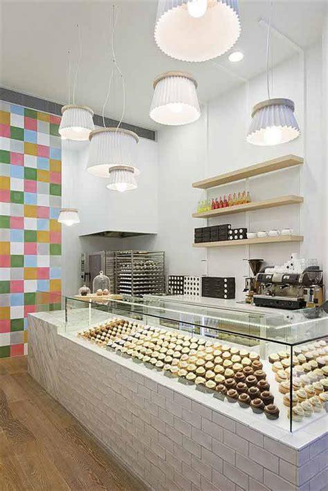 cotemporary cupcake shop interior design  decorating