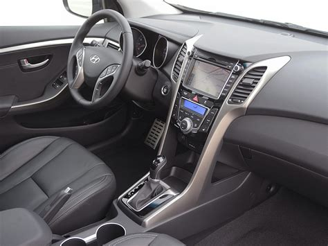 2014 Hyundai Elantra Interior by 2014 Hyundai Elantra Gt Price Photos Reviews Features
