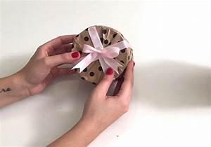 Comment Emballer Un Cadeau : comment emballer un cadeau rond notre tuto elle ~ Melissatoandfro.com Idées de Décoration