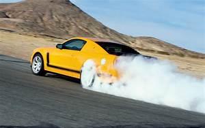 Mustang Burnout Wallpaper - WallpaperSafari