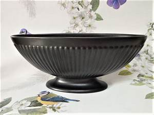 Wedgwood Etruria And Barlaston Oval Urn Vase With Wire