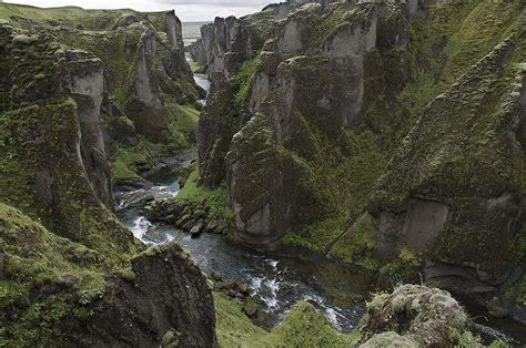Fjaðrárgljúfur - Wikipedia