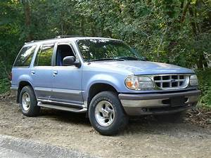1997 Ford Explorer - Pictures