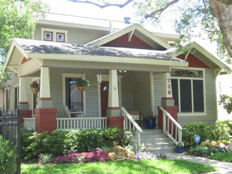 Images Small 1930s House Front Lawn  Exterior, Excellent