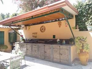 Cucina rustica esterna for Cucine in muratura esterna