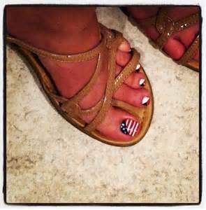 4th July Toe Nail