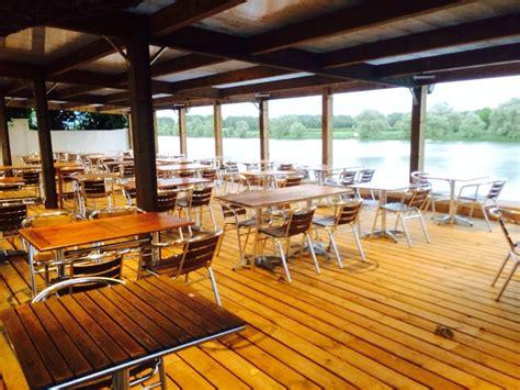 restaurant les trois canards bar restaurant beaujolais en bord de sa 244 ne