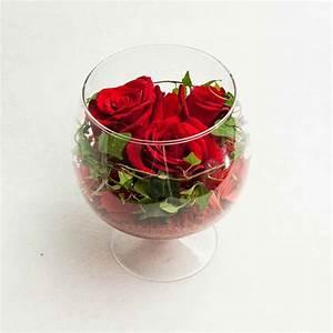 Rose In Glas : red roses in a glass vase the flower shop ~ Frokenaadalensverden.com Haus und Dekorationen
