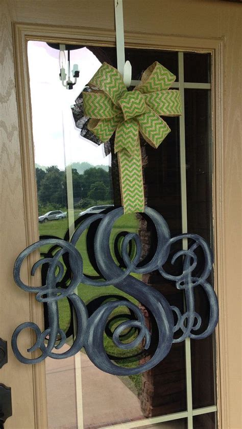 images  frontyard entry door ideas decor  pinterest christmas entryway