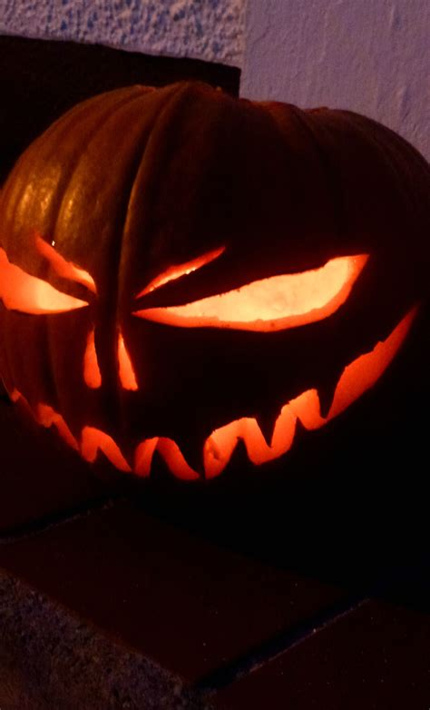 scary pumpkin faces for hallowe en zeens and roger