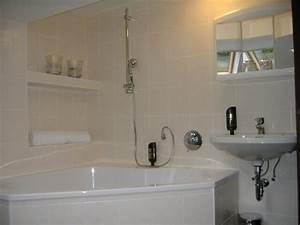 Wanne Für Waschmaschine : badezimmer mit wanne eckventil waschmaschine ~ Michelbontemps.com Haus und Dekorationen