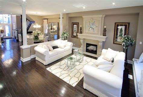 Model Home Interiors & Features