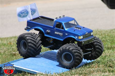 monster truck racing bigfoot 4 rhodes outlaw retro trigger king r c