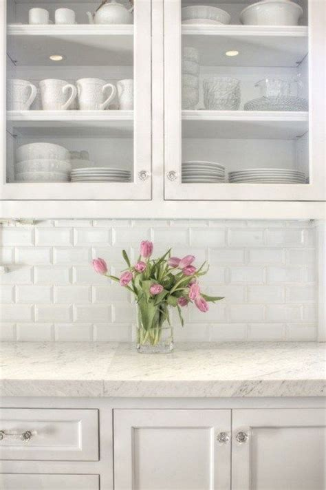 how to choose a kitchen backsplash kitchen captivating backsplash white kitchen subway tiles 8530
