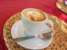 Große Tasse Kaffee : kalorien von einer gro en tasse kaffee mit milch 3 5 ~ A.2002-acura-tl-radio.info Haus und Dekorationen