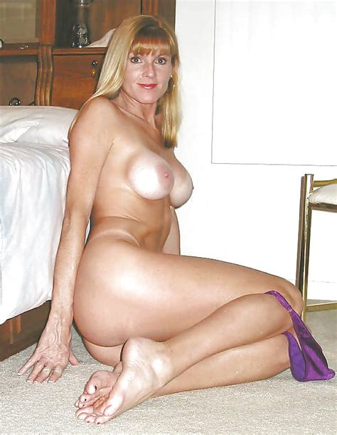Blonde Milf Shows Her Tan Lines 30 Pics Xhamster