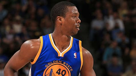 Harrison Barnes To Give Out Free Autographs