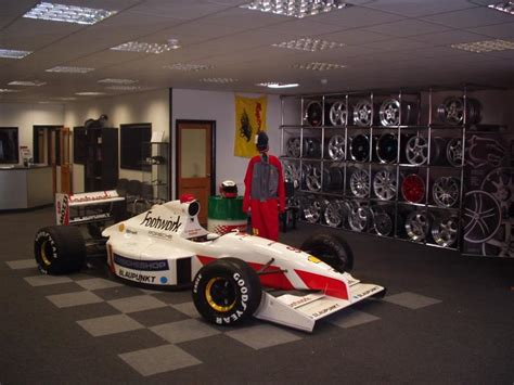 Porscheshop's Footworks Arrows F1 Car Gallery | Pictures UK