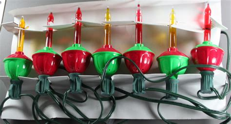 create a vintage look with 1950s christmas lights from