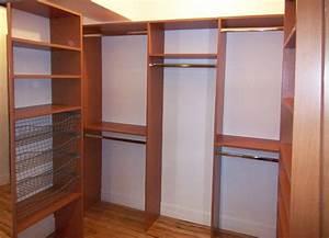 Penderie Sur Mesure : small walk in closet ideas garde robes walk in sur ~ Zukunftsfamilie.com Idées de Décoration