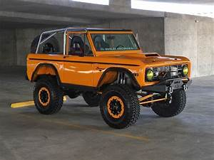 Custom 1st Gen Rock Bronco | Ford bronco, Classic ford broncos, Bronco