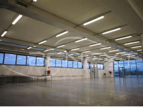 Illuminazione Capannoni progetto illuminazione led capannone industriale