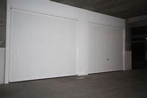 Porte de garage basculante plafond 40mm smf services for Accessoire porte de garage basculante