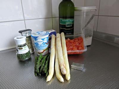 aspergesoep 5 eetlepels bloem bieslook aspergesoep met zalm en witte wijn lekker en gezond