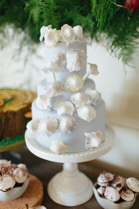 layer cakes favorite wedding cakes