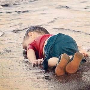 Image D Enfant : migrations la photo d 39 un enfant mort noy secoue l 39 europe sharknews ~ Dallasstarsshop.com Idées de Décoration