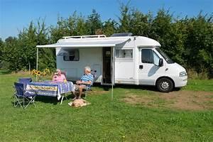 Le Camping Car : aire naturelle de camping car a prechacq les bains aires de camping cars ~ Medecine-chirurgie-esthetiques.com Avis de Voitures